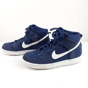 Nike swoosh youth Size 7